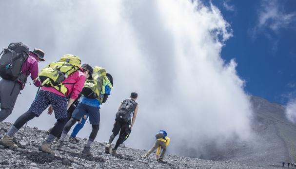 ゴールデンウィークは富士山に登ろう