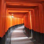【日本】京都観光おすすめ千本鳥居が朱く連なる伏見稲荷大社