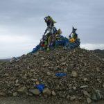 【モンゴル】モンゴルの守り神が宿る石積みオボ―